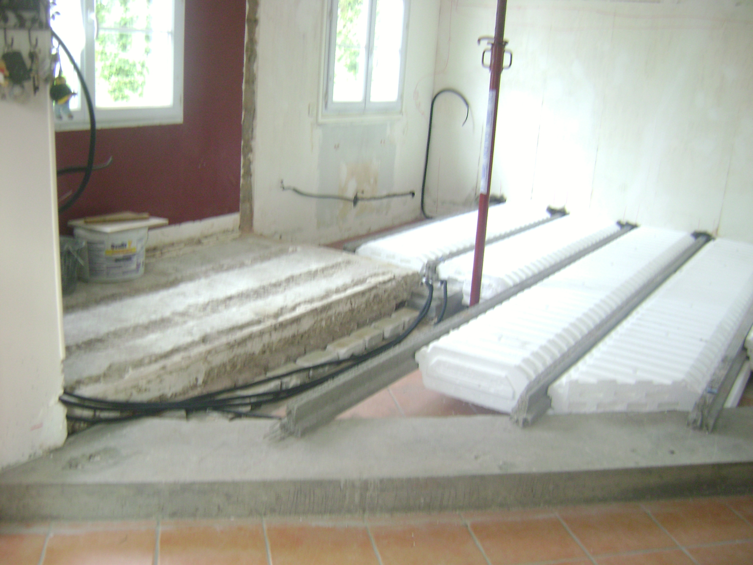 ma onnerie dalle b ton int rieur fr pillon 028 ikououbel. Black Bedroom Furniture Sets. Home Design Ideas