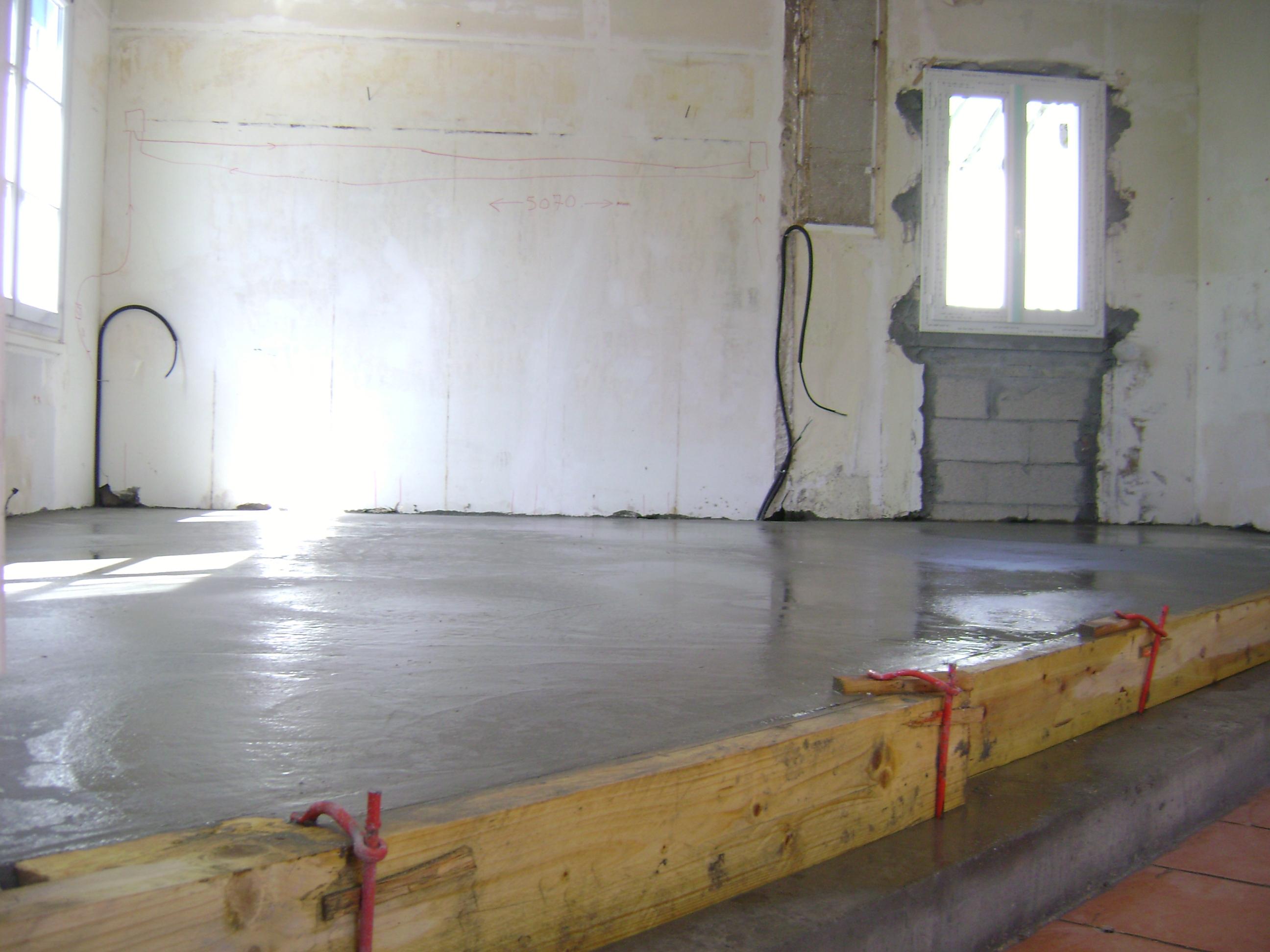 Beton In Interieur : Maçonnerie dalle béton intérieur frépillon 046 ikououbel